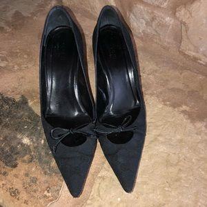GUCCI Black Signature GG Logo Bow Heels/Pumps 8.5